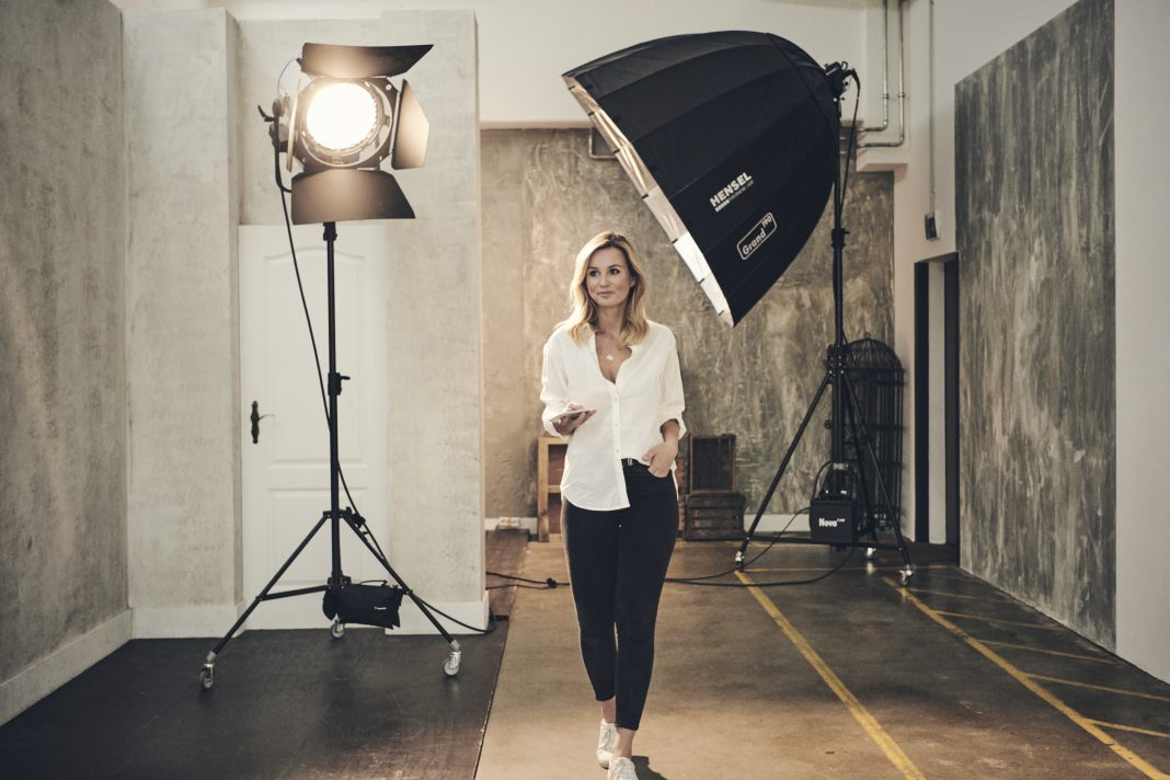 Behind the scenes modeling