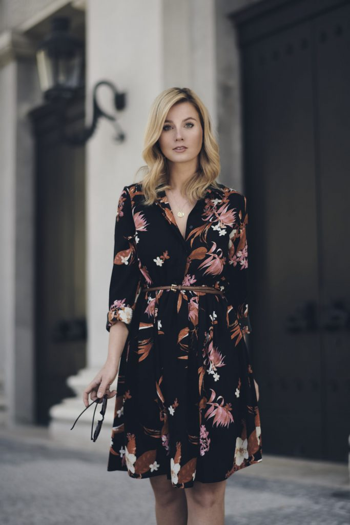 a modern woman buisness outfit dresses